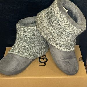 ANKLET FUZZY BOOT SLIPPERS